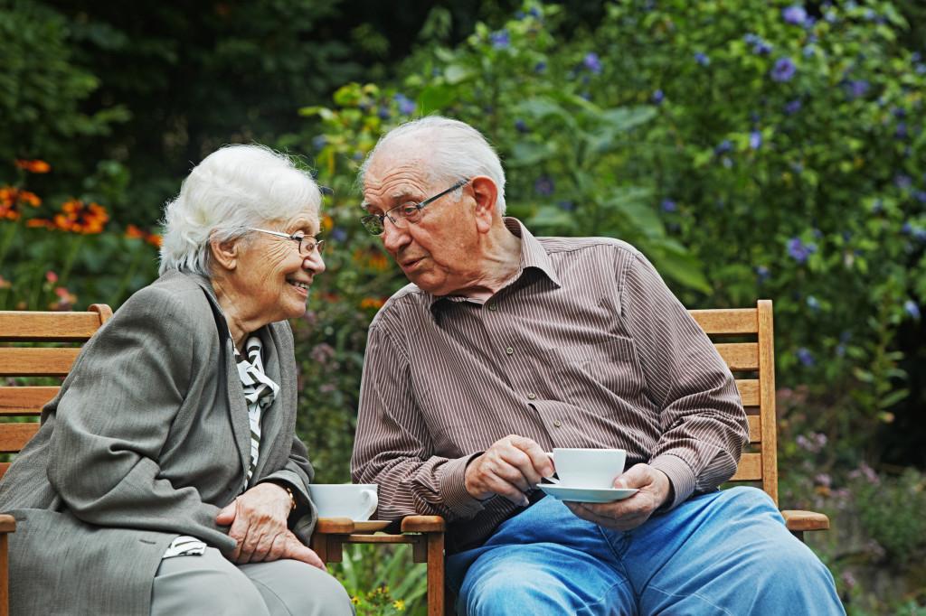 Seniors et assurance obsèques : critères pour s'assurer en toute quiétude
