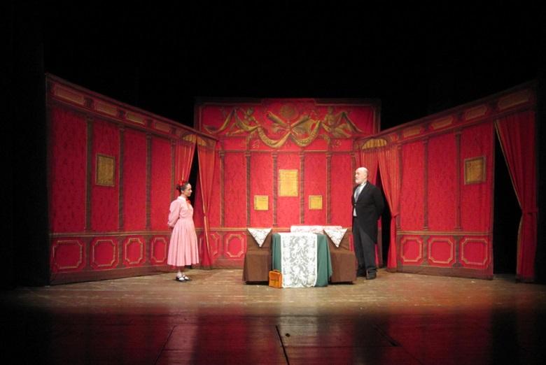 L'absurde pièce par pièce au théâtre de la Huchette 2