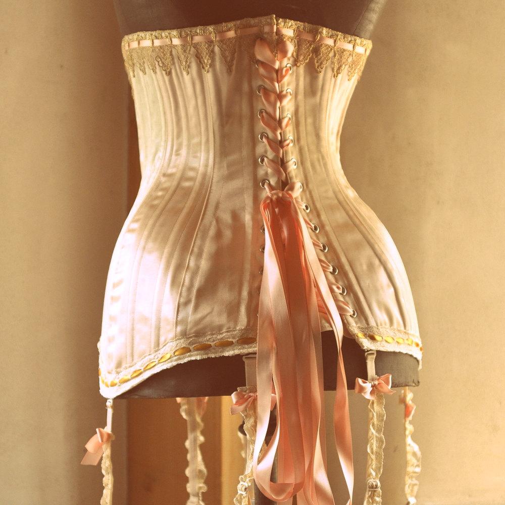 Le retour en force du corset2