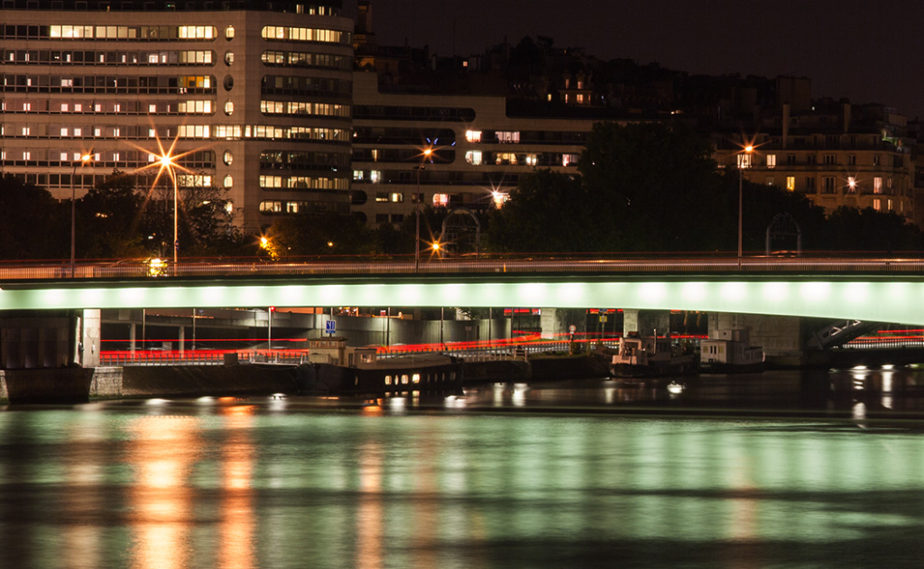 Fêtez un évènement spécial en dinant sur la Seine !