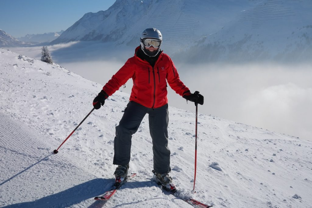 linteret-dun-casque-de-ski-homme