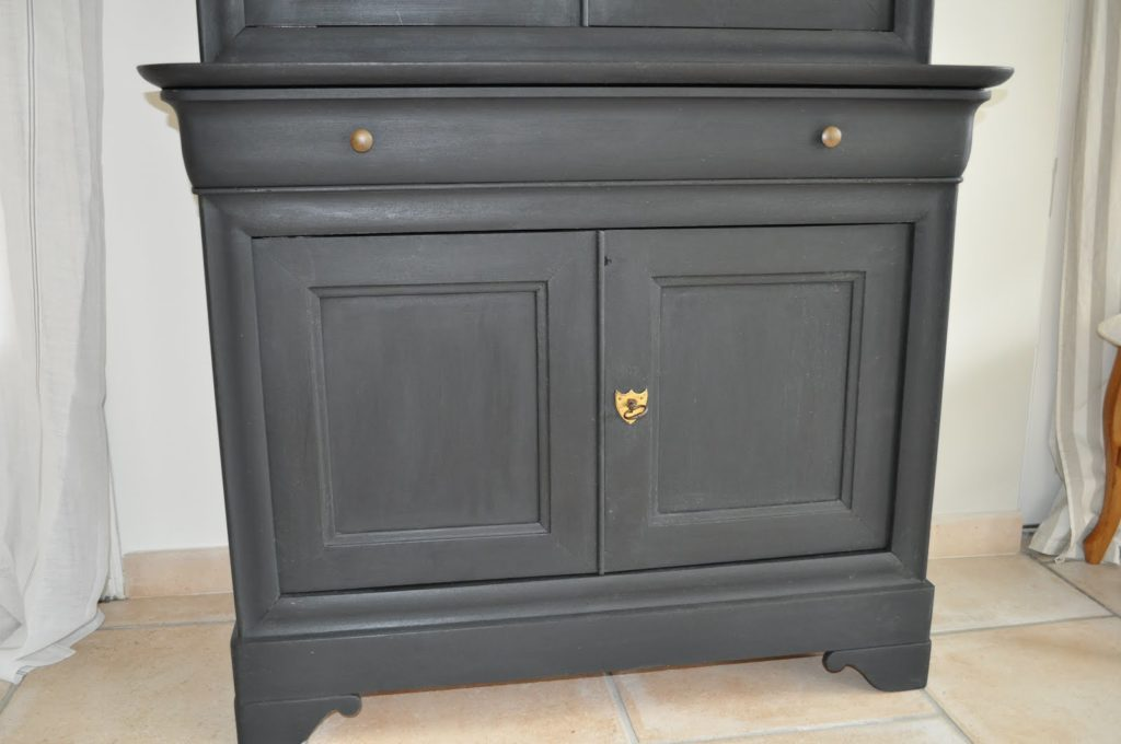 peindre meuble bois noir