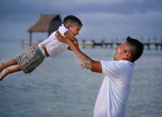 vetement-famille-assorti-papa-enfant