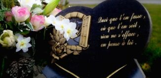 Plaque funéraire personnalisée en pierre
